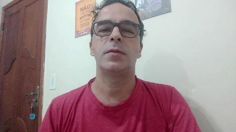 Bruno Rodrigues Silveira é publicitário e especialista em Linguagens Audio