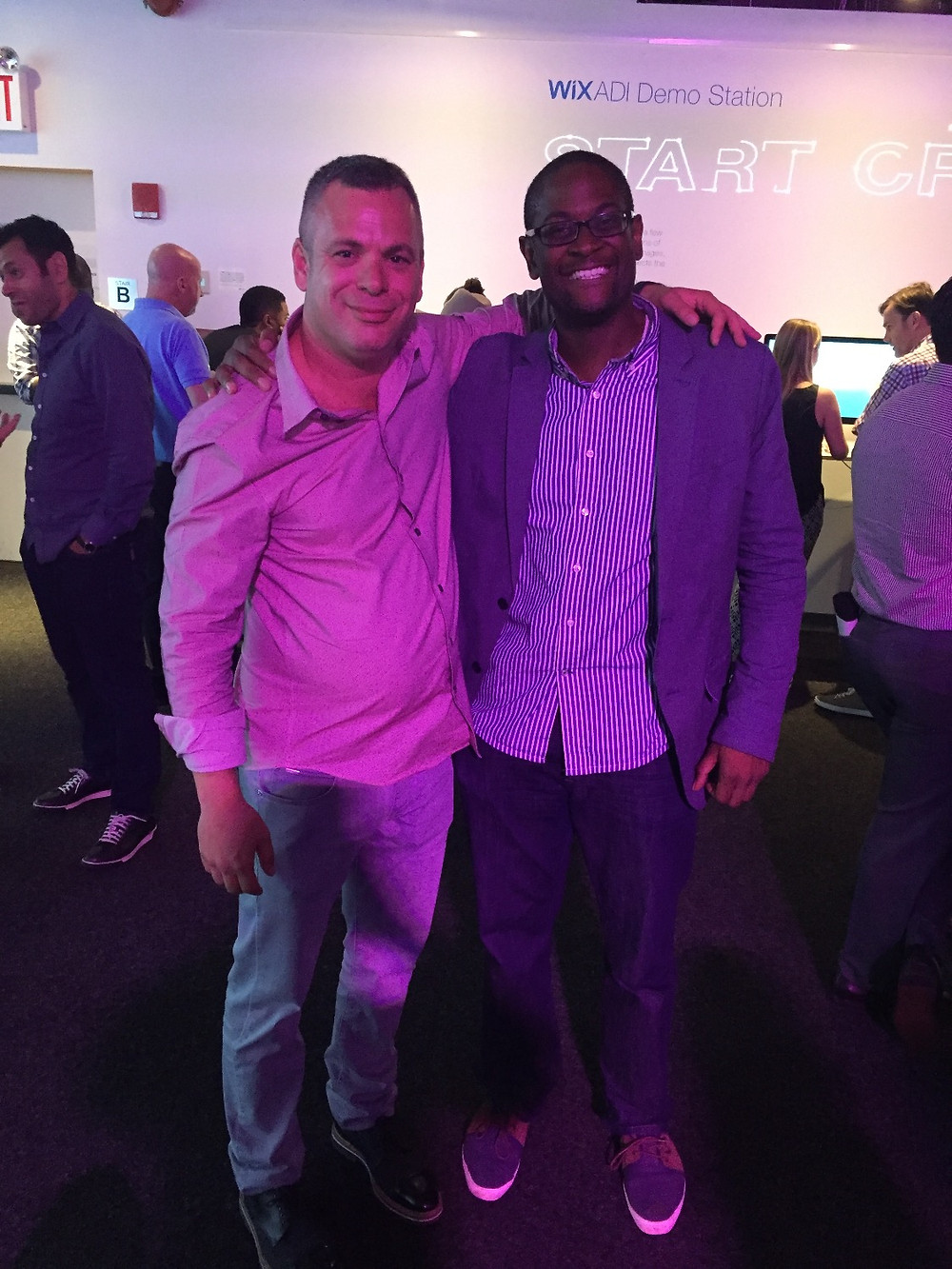 Voux Co-Founder, Freddie Roseman, takes a snapshot with Wix CEO Avishai Abrahami. Cool!