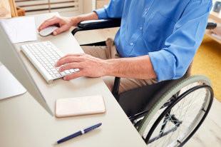 Общественники обратились в кабмин с просьбой о дополнительной поддержке инвалидов