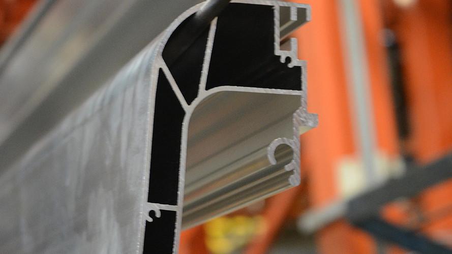 Raw profiles on the powder coating line