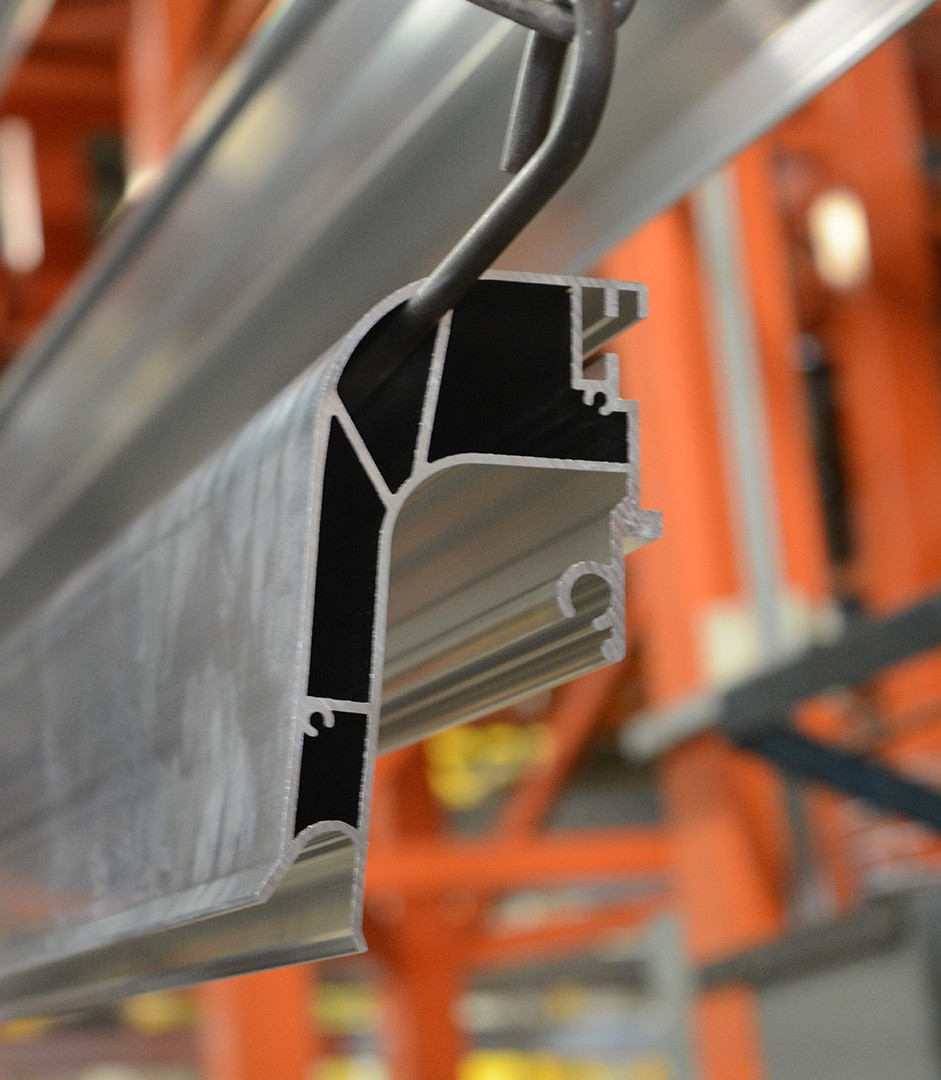Raw profiles on the powder coating line