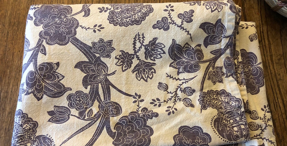 Folk Kitchen Floral Tablecloth & 4 Napkins