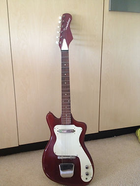 Broadway Plectric 1921 guitar