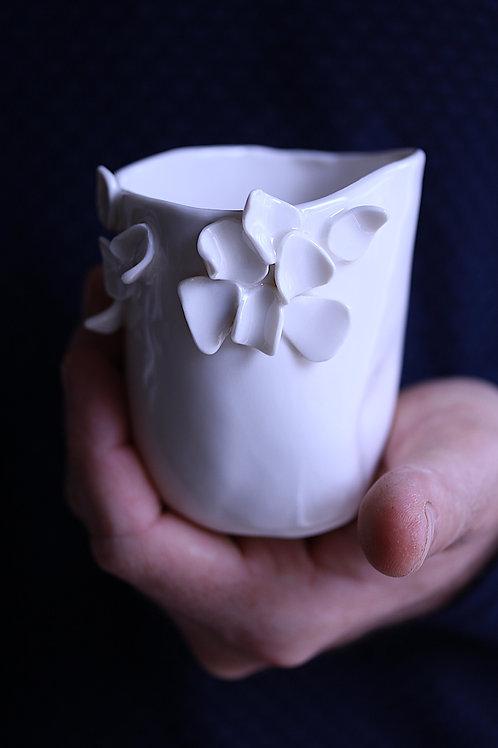 Tasse en porcelaine éclosion M