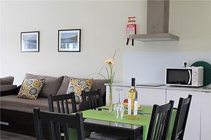 Vale de Lourinhã - Apartamentos com Piscina e Pequeno Almoço Incluido