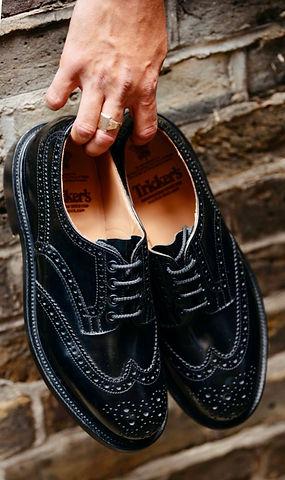 black shoe 1.jpg