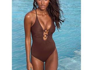 Protéger vos cheveux en allant à la piscine ou à la mer / Protect your hair from the pool or the sea