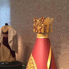 תקריב של עיצוב וילונות במוזיאון הנגב_
