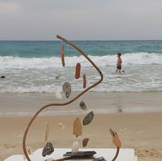 אבנים שנאספו בים, חוף זיקים