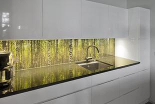 חיפוי זכוכית קרמית  במטבח