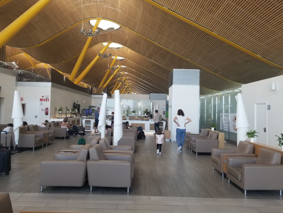Neptuno Lounge T4S Madrid - Not So Priority Pass