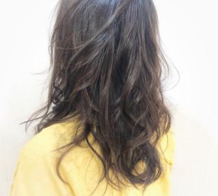 巻き髪すぎない
