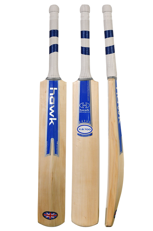 XB700 Junior Cricket Bat Series Two Size 6