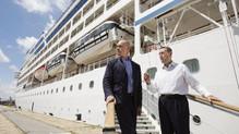 Sevilla recibe su primer crucero de gran tamaño con 900 pasajeros