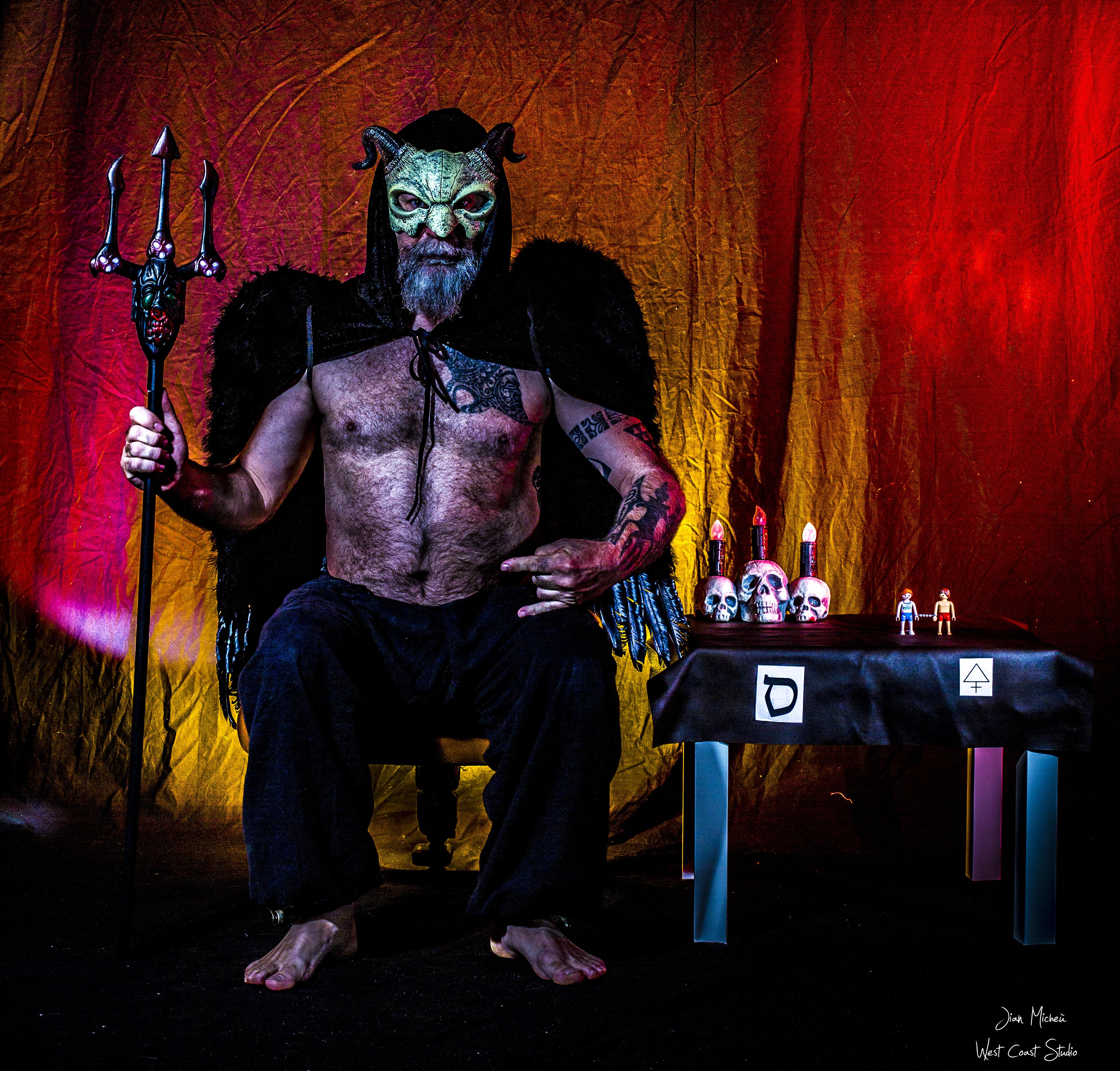 le_Diable_15°arcane_du_tarot_autoportrai