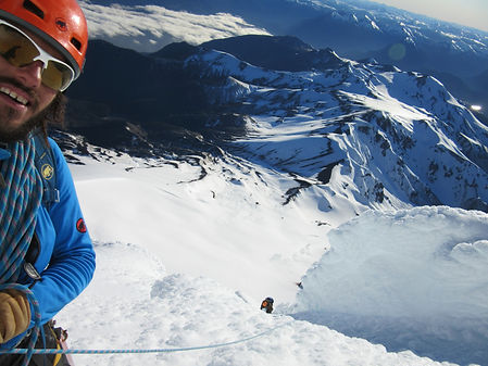 CLIMB AND GUIDE CHILE, ICE ROCK CLIMB, POWDER, BACKCOUNTRY