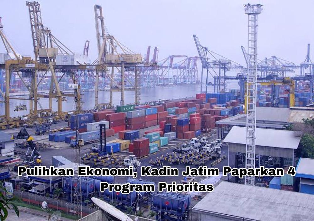 Aktivitas bongkar muat kontainer di dermaga ekspor impor (Foto: Net)
