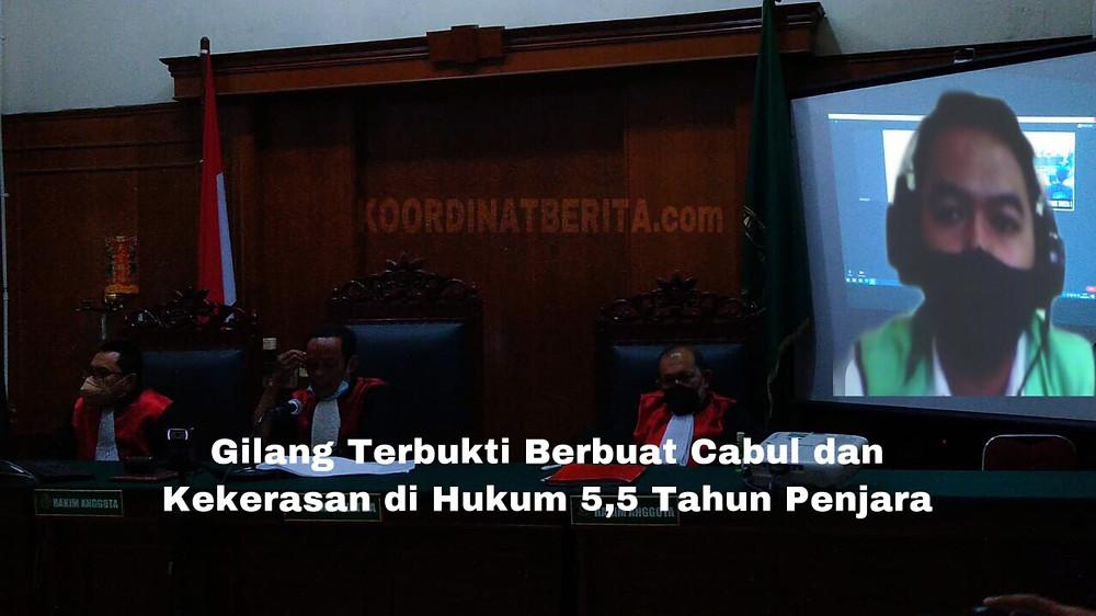 Gilang Aprilian Nugraha pada persidangan di Pengadilan Negeri Surabaya.( Rif)