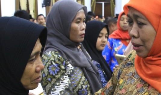 Petugas pemilu 2019 Di Jatim Yang Meninggal, Gubernur Jatim Beri Santunan  Kepada 53 Ahli Waris