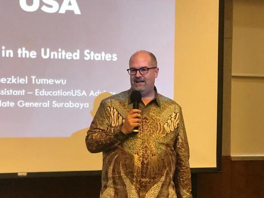 From Surabaya to Google- Konsulat AS Mempromosikan Studi danPeluang Karier di Amerika Serikat