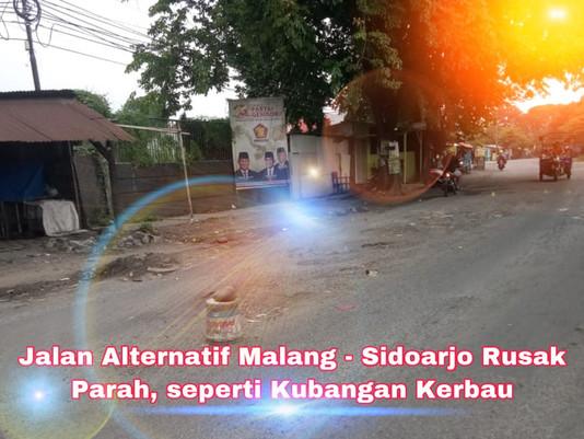 Jalan Alternatif Malang - Sidoarjo Rusak Parah, seperti Kubangan Kerbau