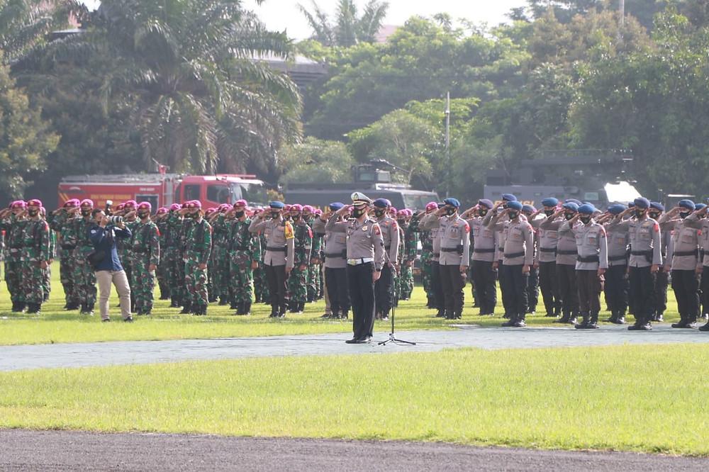 Dalam pelaksanaan pengamanan Natal dan Tahun Baru, Polri telah mempersiapkan 83.917 personel Polri, 15.842 personel TNI, serta 55.086 personel instansi terkait lainnya. (Foto:Rif)