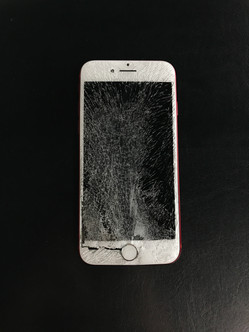 Apple iPhone 7 Severely Cracked / Shattered