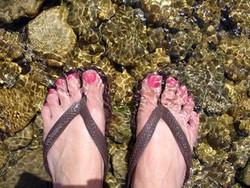 feet-in-a-stream-1395322.jpg