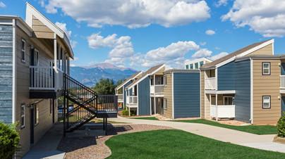 stratus-apartments-colorado-springs-co-b