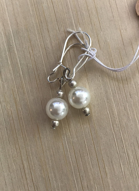 Pearl bead earrings Item #159