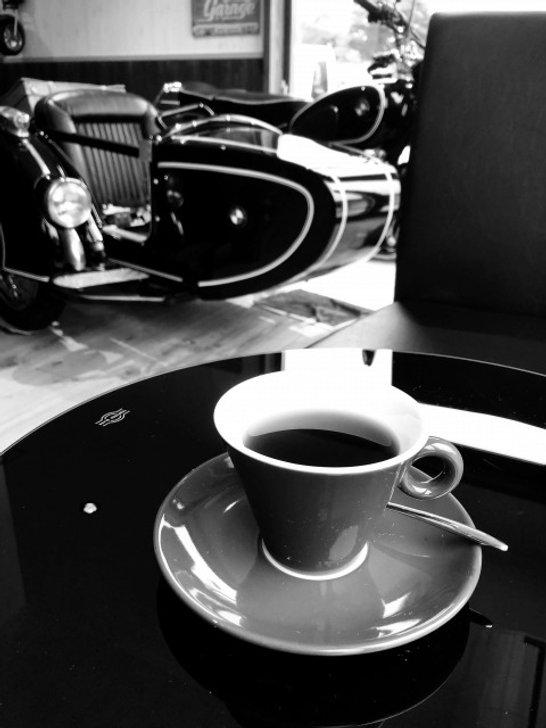 コーヒーとバイク.jpg