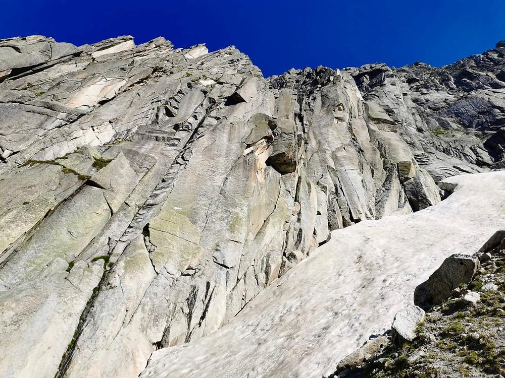 Blick auf die Kletterroute Jimmy am Salbit
