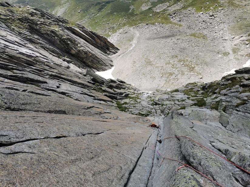 Kletterer in der Verschneidung von Jimmy am Salbit