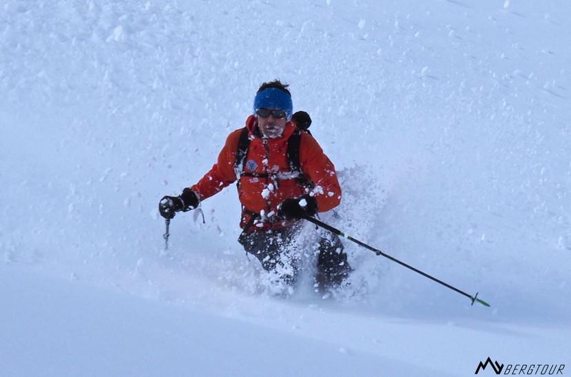 Skitour mit den Bergführern von mybergtour Pulverschnee