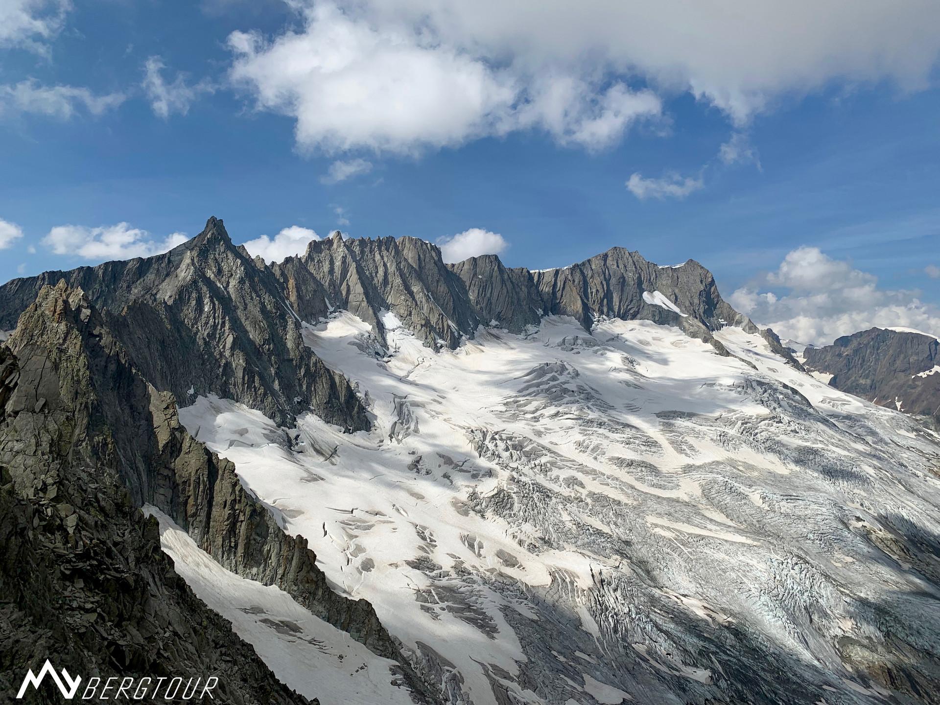 Graue Wand Gipfel Blick Dammakette