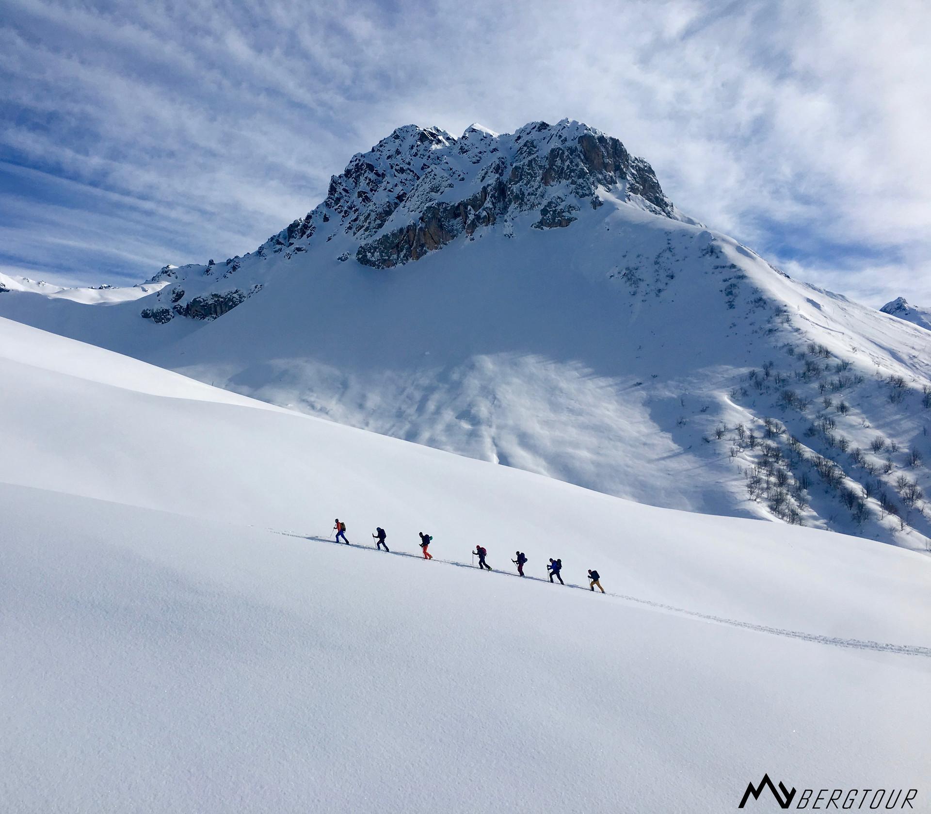 Skitour mit den Bergführern von mybergtour alpine Umgebung