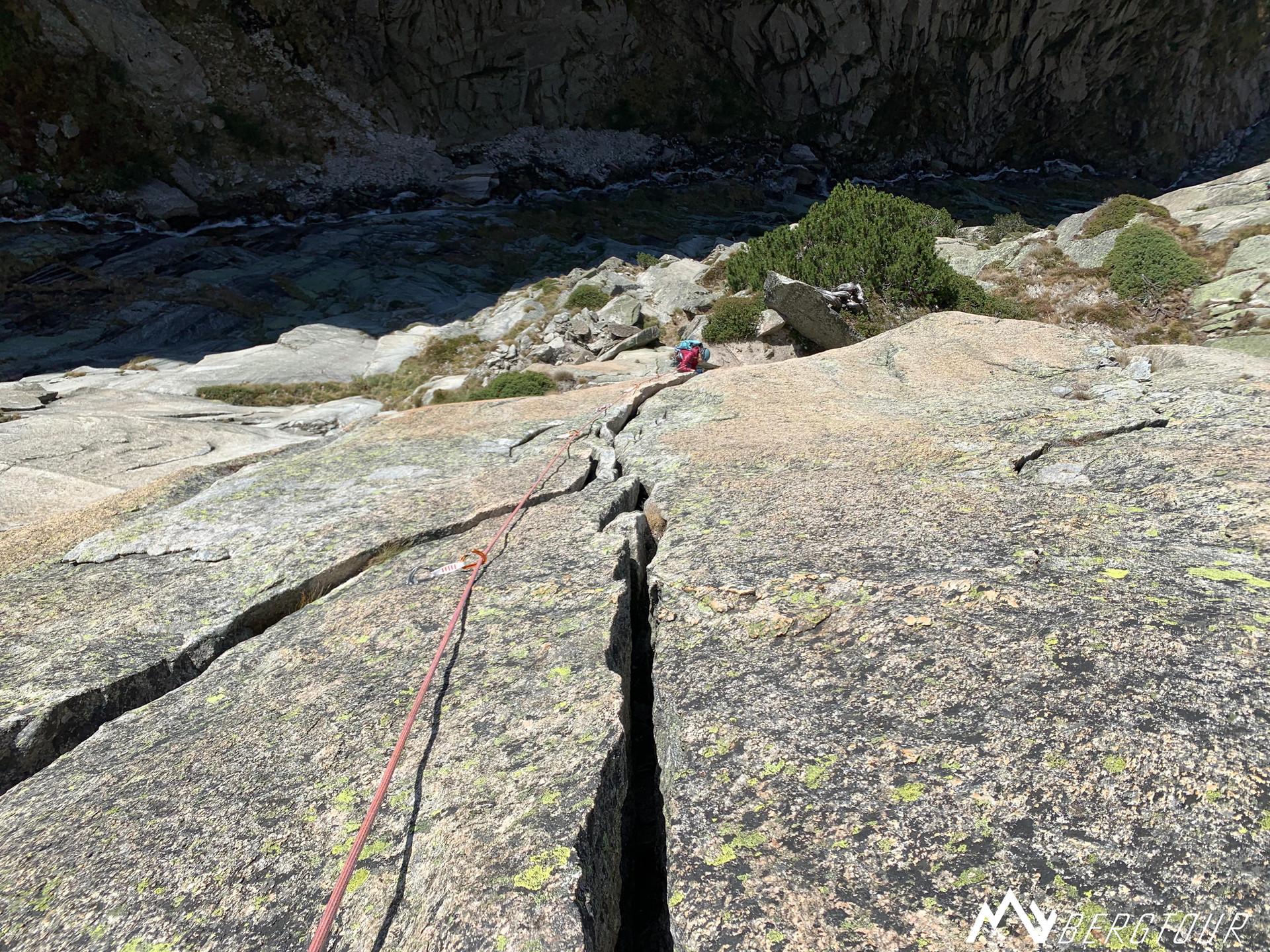 Teufelstalwand Klettern Im Zeichen der Freundschaft mybergtour Riss