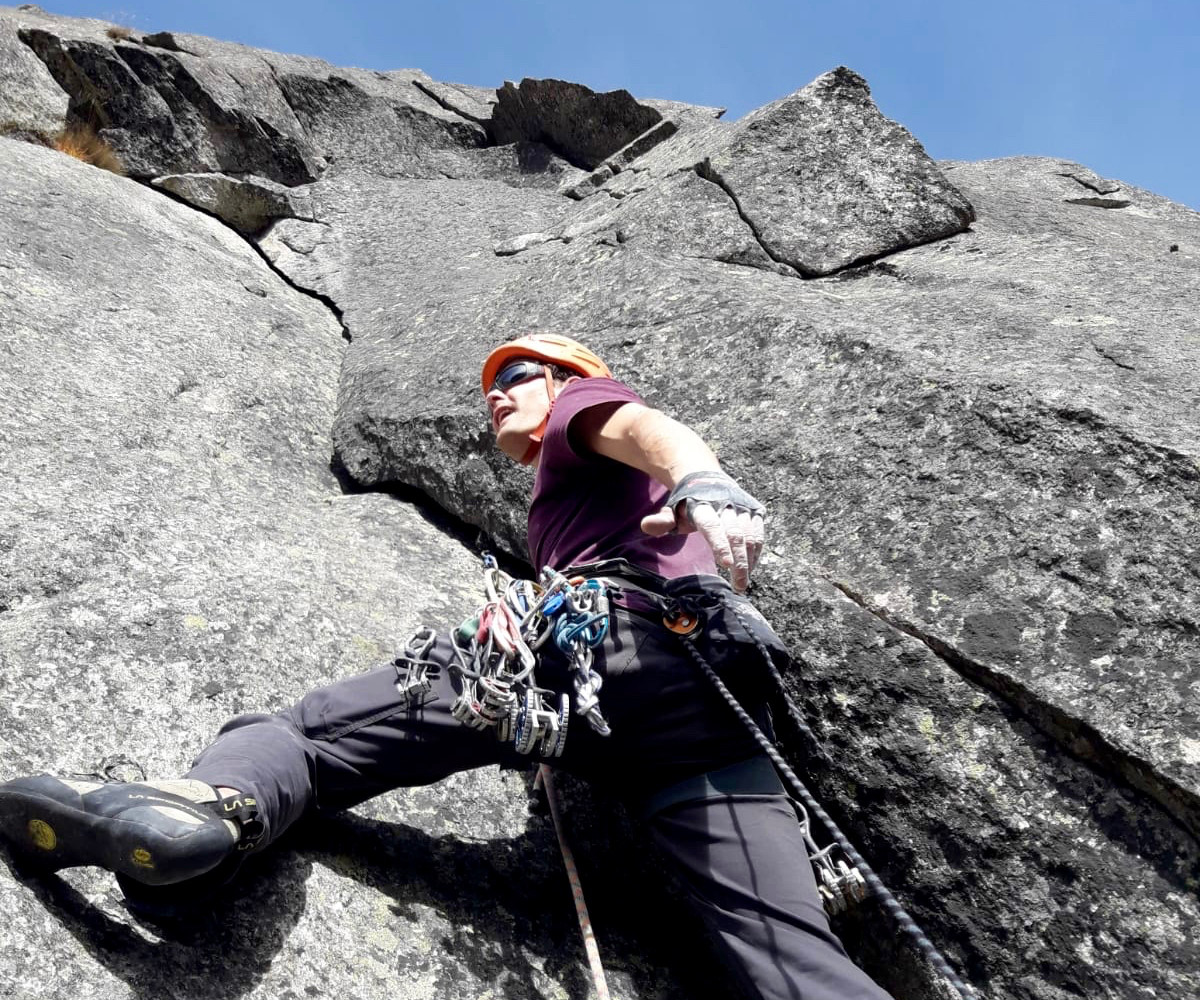 Kletterer in der Route The Devils last Dance Teufelstalwand Rissklettern Länge 6