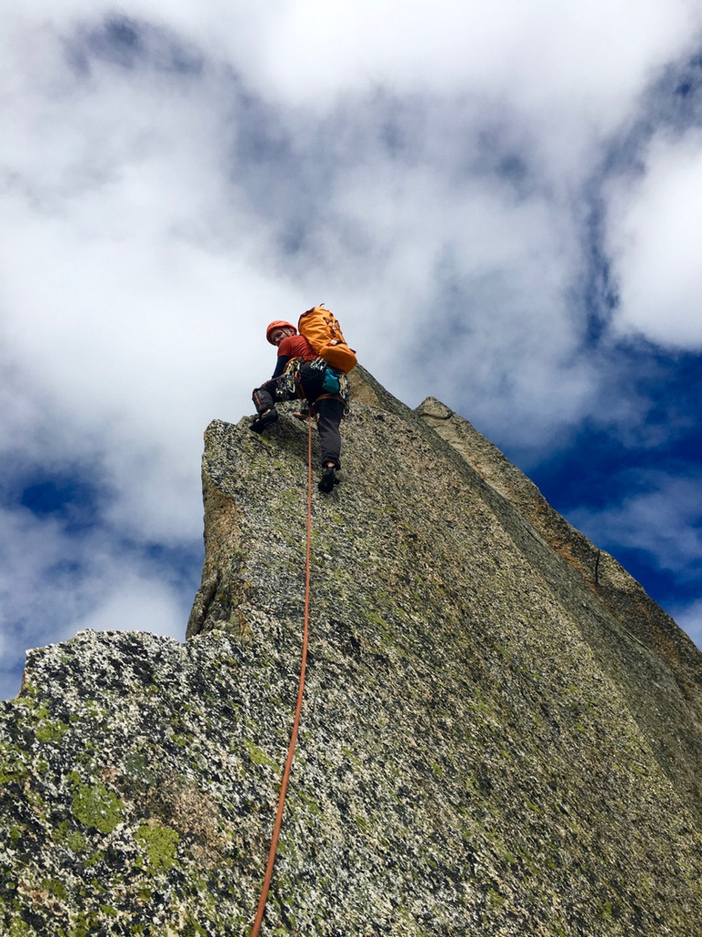 Salbit Westgrat Kletterer am Turm 6