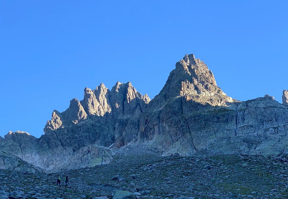 Kletterer im Zustieg zu den Fünffingerstöck