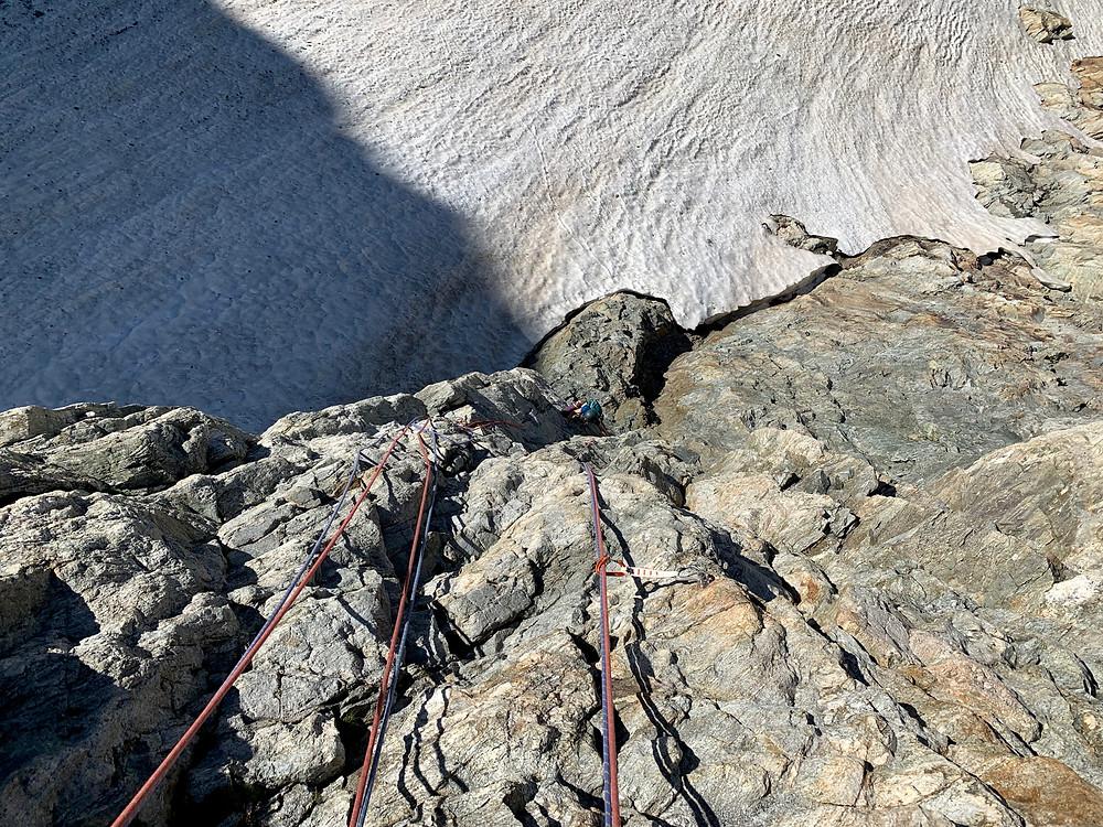 Kletterer in der ersten Sillänge der Route Bohrgeist an den Fünffingerstöck