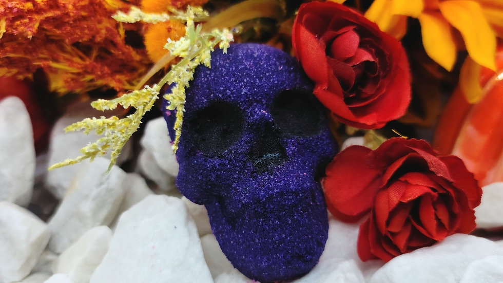 Purple spooky bath bomb