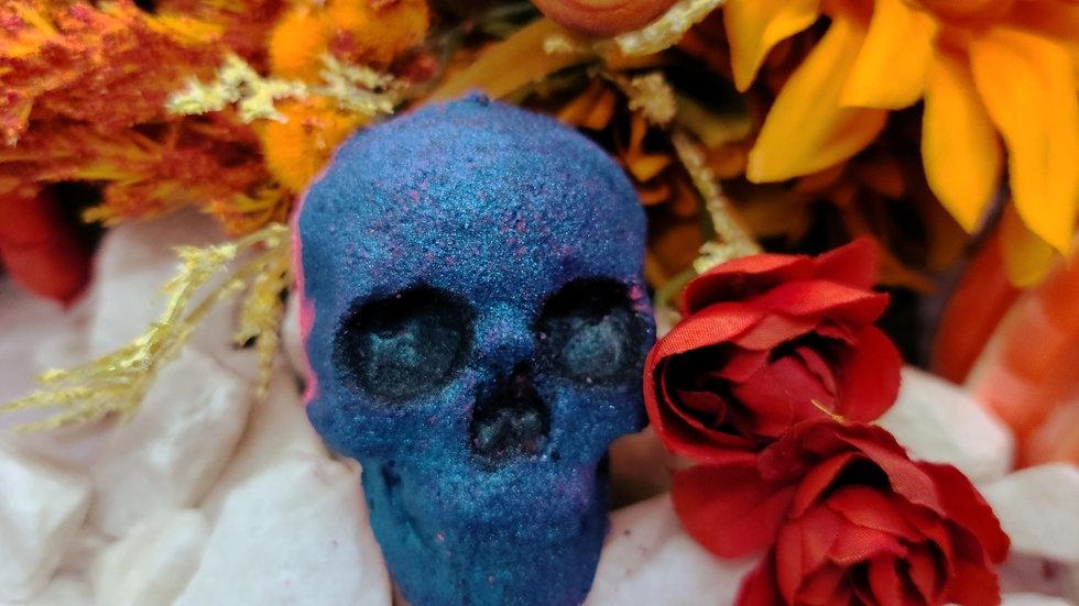 Blue skull bathbomb