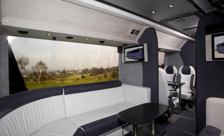 25 seater luxury minibus