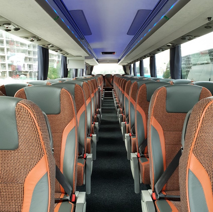00201_LONDON TRAVEL IN LIMITED _luxury coach HIRE