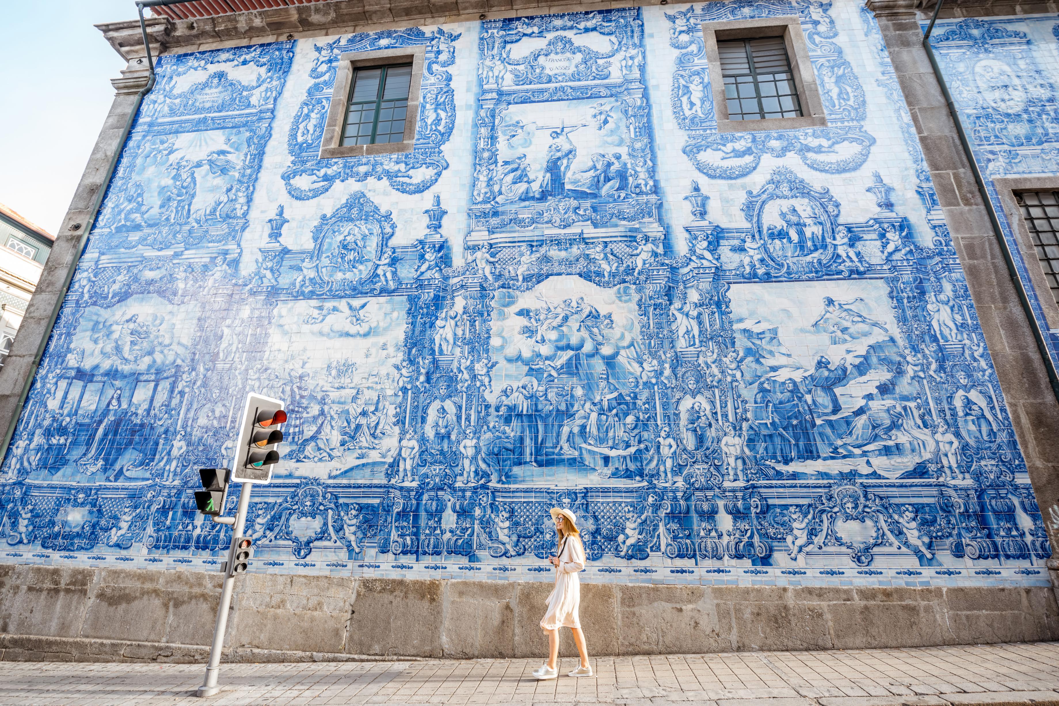 Young woman tourist walking near the chu