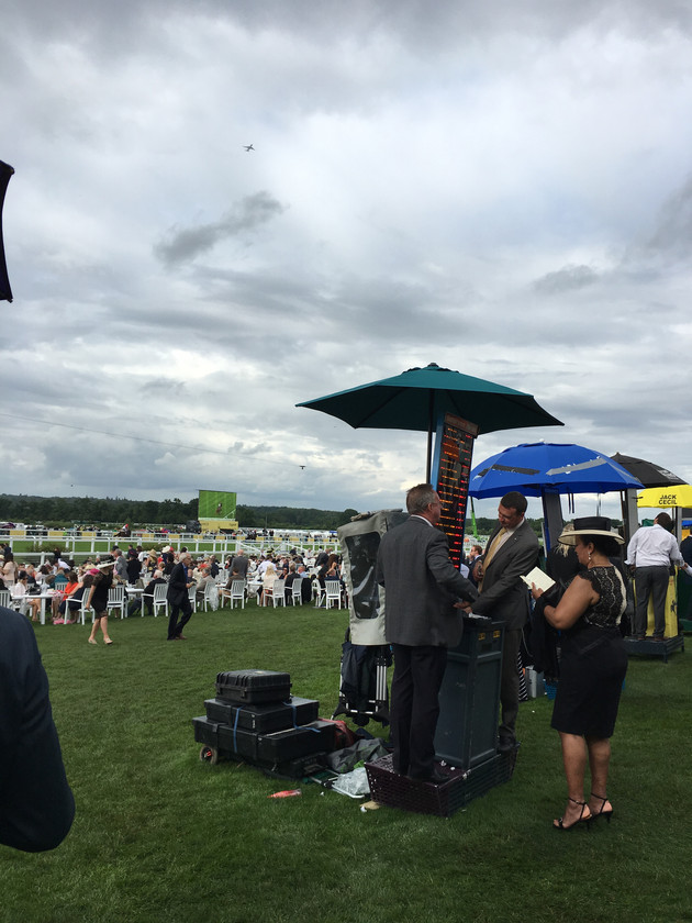 Travel to Race course in ascot