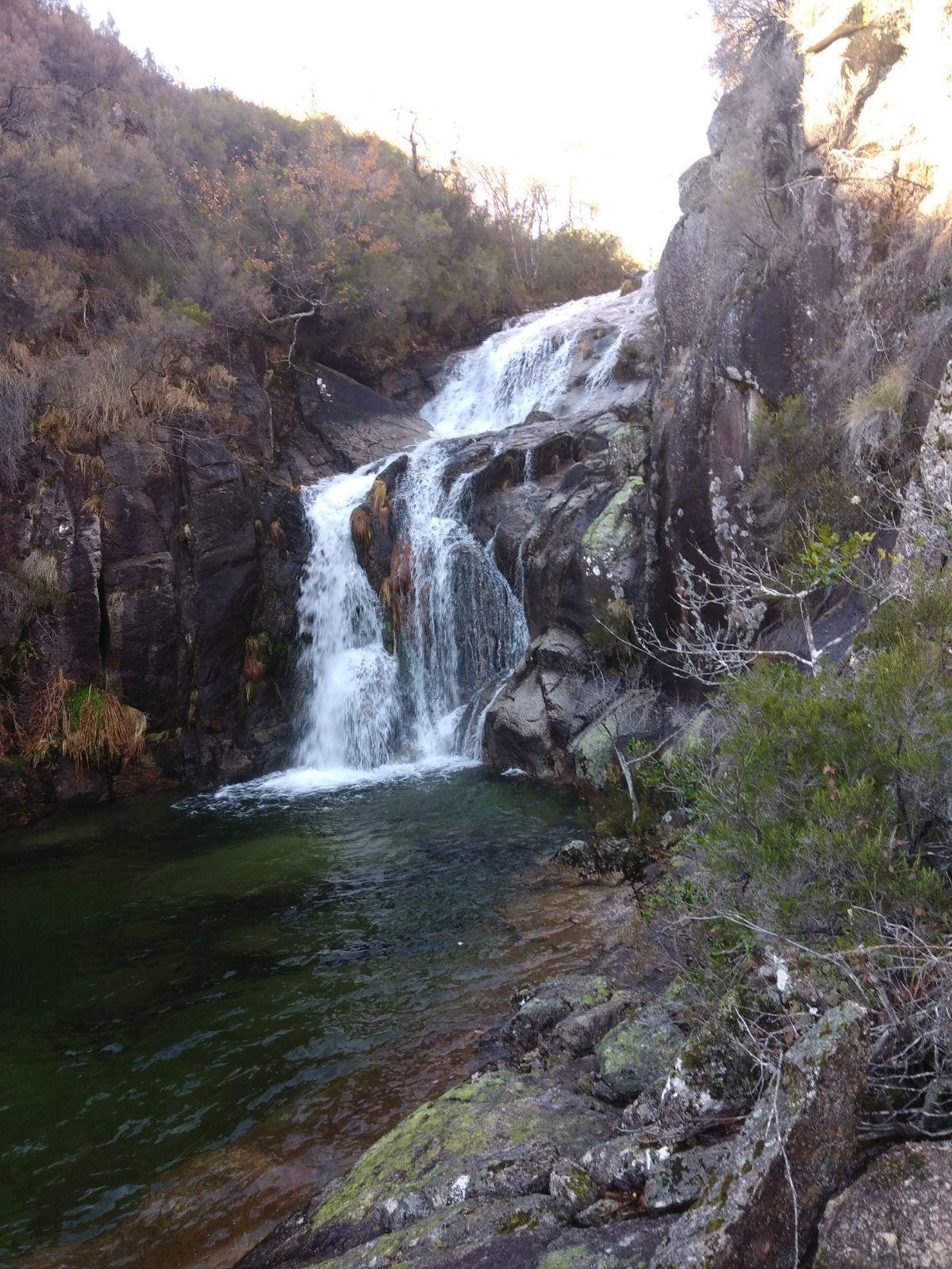 cascata de pitoes