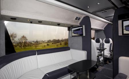 London Travelin_Luxury 29 Seats Coach (1)