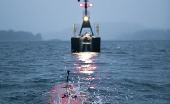 Line up for HUGIN AUV recovery into SEA-